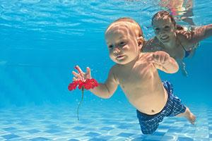 Chlorine free pools your pool - Dangers of chlorine in swimming pools ...